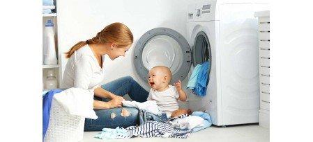 Як і чим прати дитячі речі